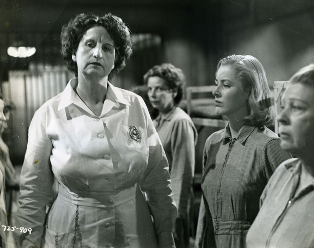 Hope Emerson and Eleanor Parker in CAGED
