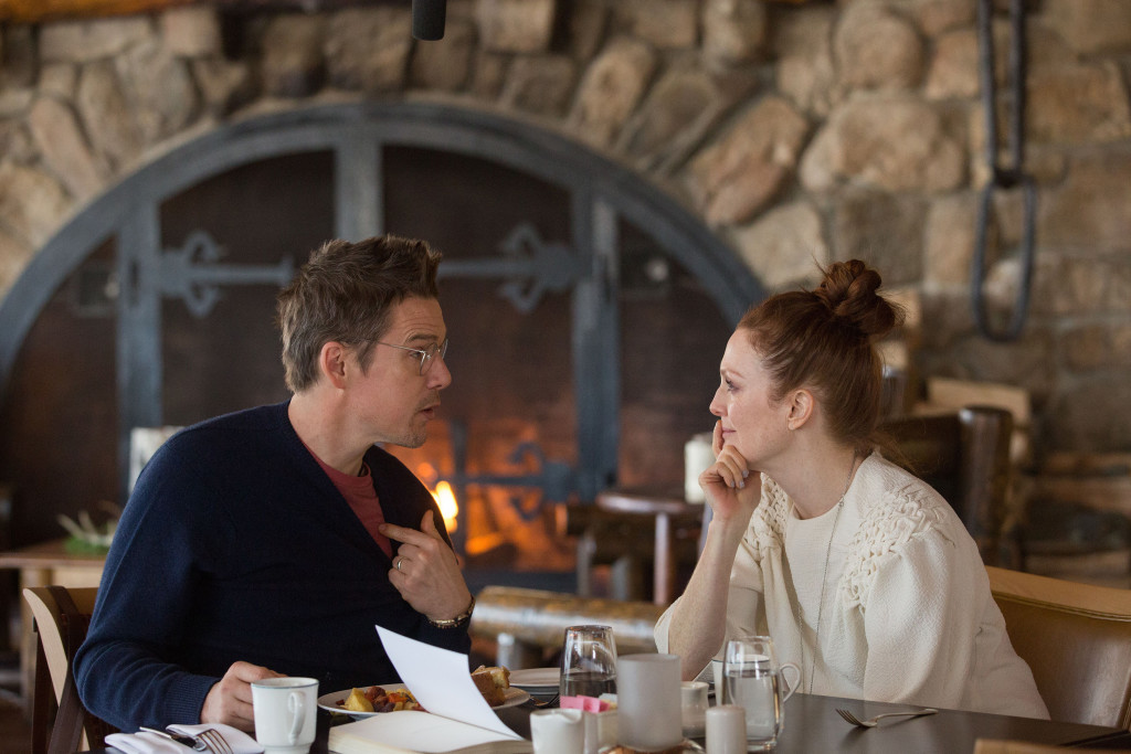 Ethan Hawke and Julianne Moore in MAGGIE'S PLAN
