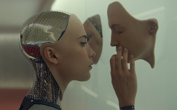 Alicia Viksander in EX MACHINA