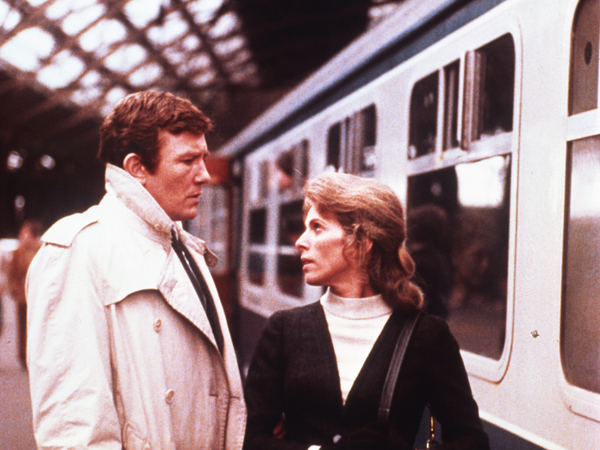 Albert Finney and Billie Whitelaw in GUMSHOE