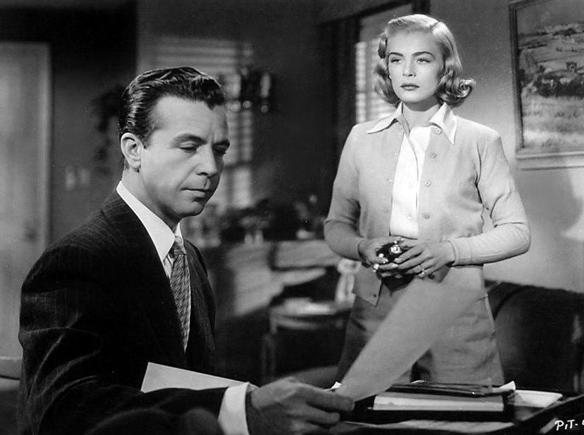 Lizabeth Scott and Dick Powell in THE PITFALL