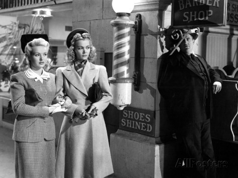 Betty Grable, Carol Landis and Laird Cregar in I WAKE UP SCREAMING