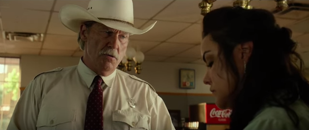 Jeff Bridges and Katy Mixon in HELL OR HIGH WATER